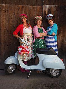 drei Frauen und ein Roller